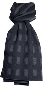 Halsduk i filtad ull – Ruta Rand gråblå